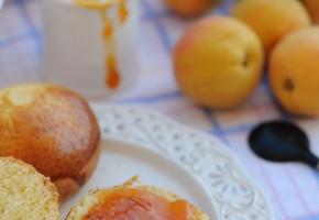 Marmellata di albicocche e rosmarino
